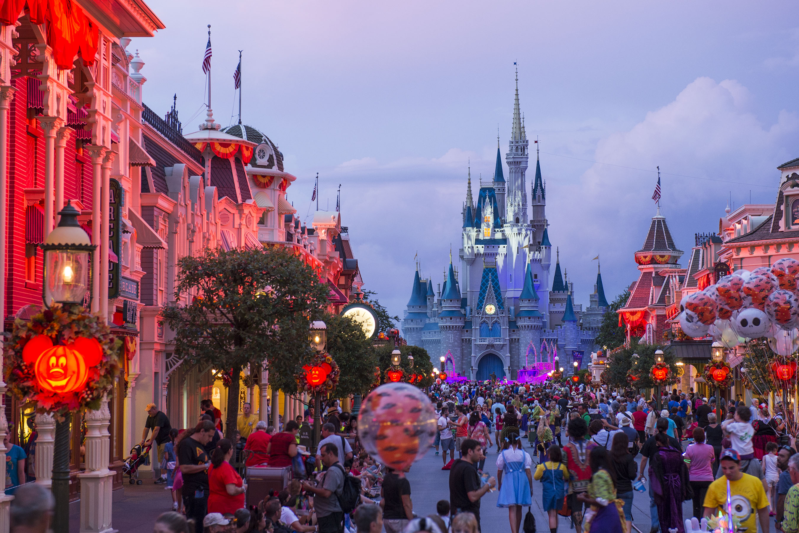 what's new at mickey's not-so-scary halloween party in 2018
